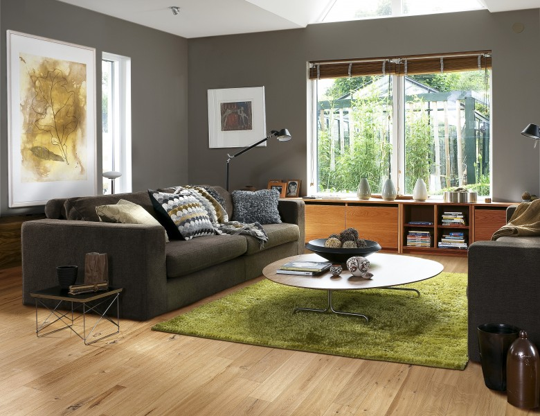 A picture of husk Oak flooring