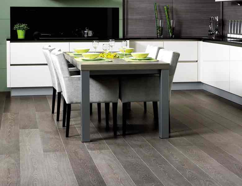 A picture of Laminate Keuken Flooring in a kitchen